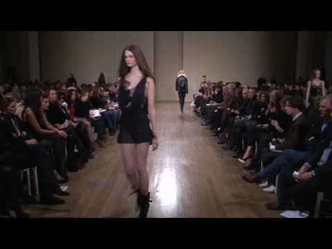Julien Macdonald - Fall / Winter 10/11 [HQ]
