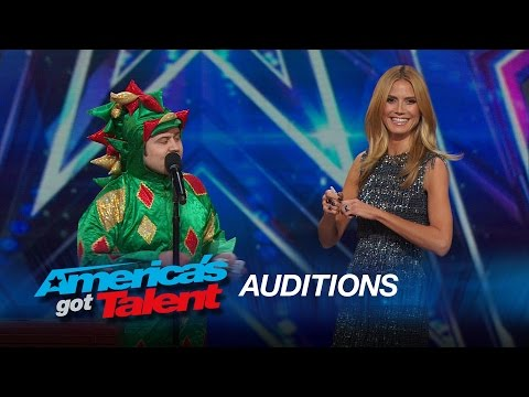 Piff the Magic Dragon: Heidi Klum Helps Comedic Magician in Dragon Suit - America's Got Talent 2015 thumbnail