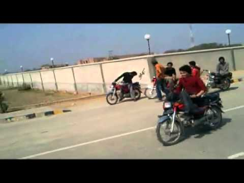 BiKe StuNtS 2010 (LiFe iS A GaMe) ThE GaMe(NeVeR 4GeT Me) PaKi BiKeR.mpg - YouTu