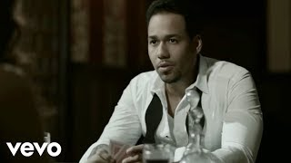 Watch Romeo Santos Mi Santa video