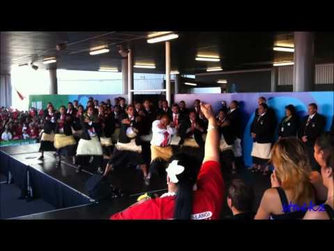 Ikale Tahi tongan rugby team doing the Sipi Tau at Auckland Airport RWC2011.