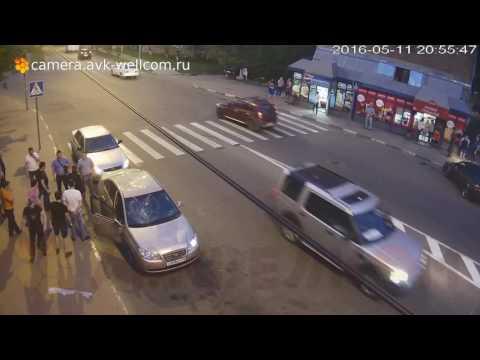 Драка, г. Дзержинский, п-к. ул. Бондарева и ул. Дзержинская, 11.05.2016