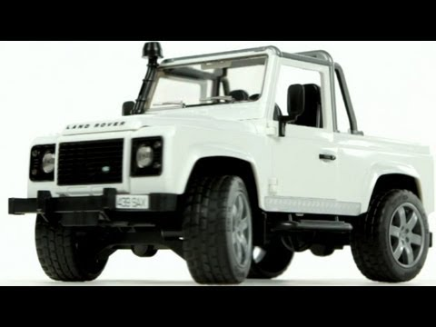 Land Rover Defender Pick Up (Bruder 02591)  - Muffin Songs' Toy Review