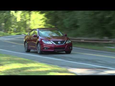 Представлен обновленный седан Nissan Altima 2016