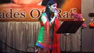 Akele Hain Chale Aao Jahan Ho   Amruta Natu