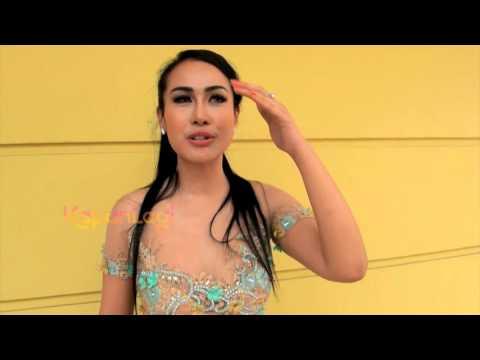 Download Seksinya Penampilan Ratu Meta Manggung di Singapura Mp4 baru