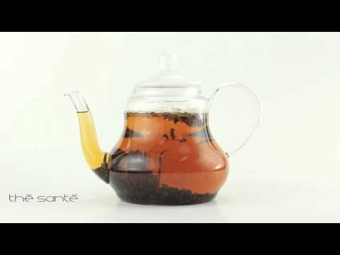 Black Ceylon Blueberry Tea Steeping