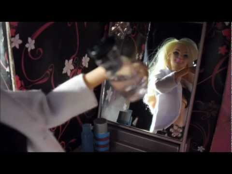Avril Lavigne - What The Hell (barbie Version) video