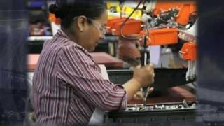 steel bar straightening and cutting machine/ Machine à dresser et couper de barres en acier