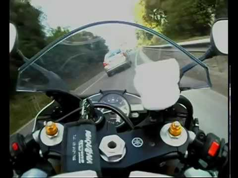 Yamaha YZF-R1 2007 Akrapovic Video