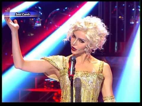 Hande Ataizi\'nin Madonna Performansı