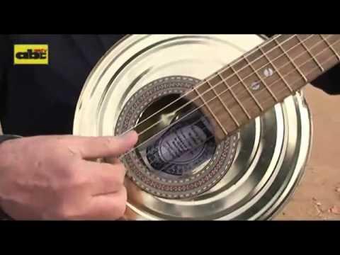 INSTRUMENTOS MUSICALES HECHOS CON BASURA RECICLADA