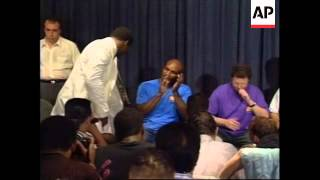 USA: NEW YORK: RIDDICK BOWE AND EVANDER HOLYFIELD FIGHT