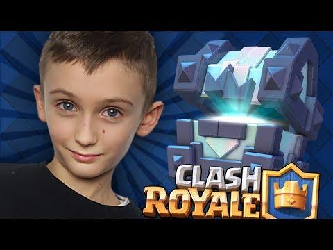 PIERWSZY W ŻYCIU LEGENDARY KING CHEST ŁUKASZA ! | Clash Royale