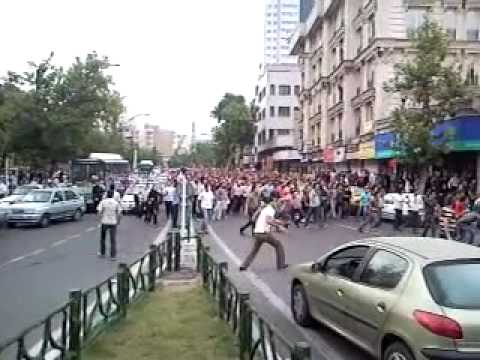 Iran election. Riot in tehran streets after election day - 13/06/09 Meydane Vanak. 4pm 23 khordad.