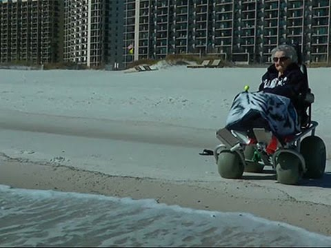 100-year-old Woman Sees Ocean for First Time