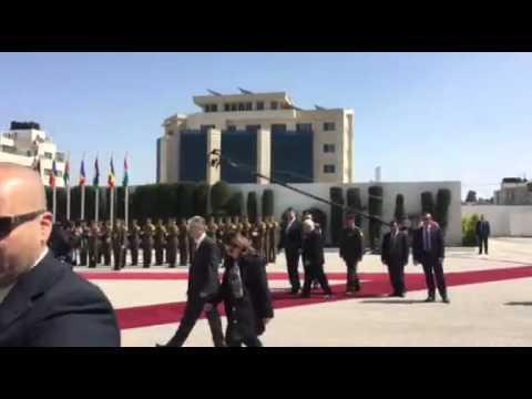 Corespondenta din Palestina. Klaus Iohannis, primit de Mahmoud Abbas