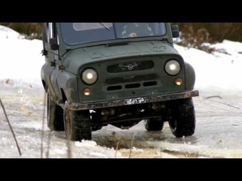UAZ 469b RC 1:10 FULL METAL ACTION 3