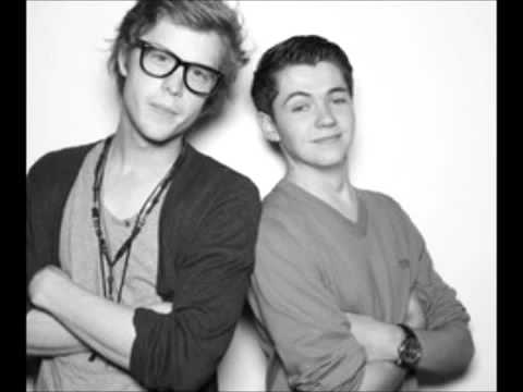 Cameron Mitchell And Damian McGinty Havent Met You Yet