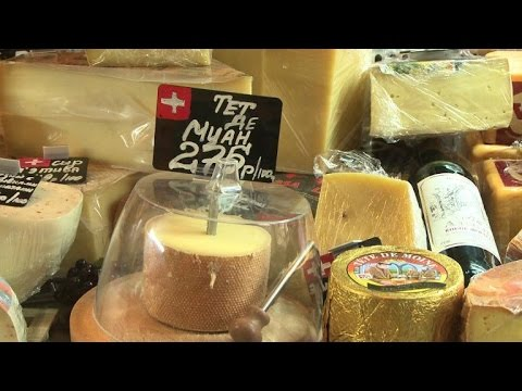 Russia makes knock-off European cheese as embargo bites