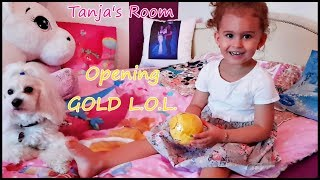 Opening LOL Confetti pop wave 2 GOLD BALL in my Room