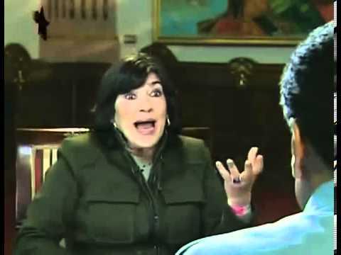 Christiane Amanpour irrespetuosamente saca fajo de billetes a Presidente Nicolás Maduro
