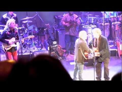 Paul Simon: Bye Bye Love with Don Everly - live Nashville 5-19-11 (TheDailyVinyl video #08 of 10)