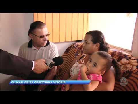 Gilmar Carvalho visita garota Vitória em Nossa Senhora do Socorro
