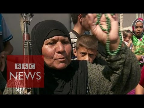 Iraq crisis: Grannies 'take on Islamic State in Amerli' - BBC News