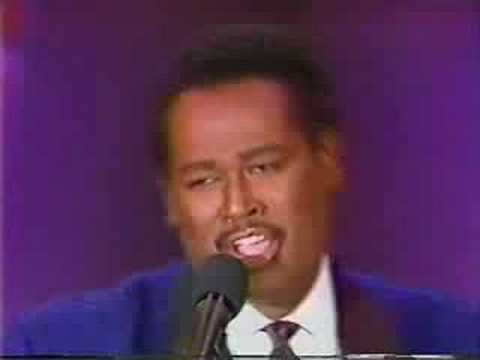 LUTHER VANDROSS (Live) - A House Is Not A Home (w / lyrics)