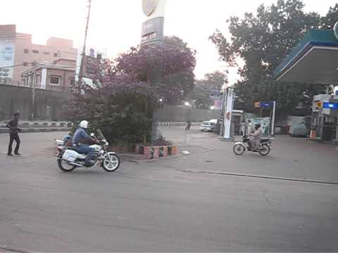 Traffic Police Near Ganga Ram Hospital 27 Sep 2008 Lahore Pakistan video
