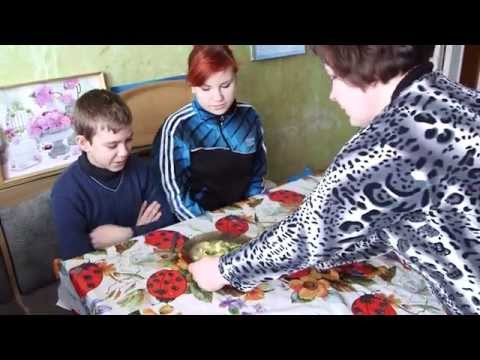 Ukraine's 1 Million Displaced Face Winter Cold, Food Shortages