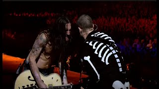 Download Lagu Red Hot Chili Peppers - Californication LIVE Slane Castle 2003 (Ultra HD) Gratis STAFABAND