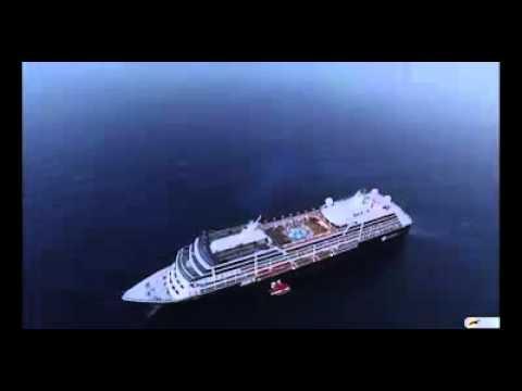 Κρουαζιερόπλοιο Azamara Quest στο ενετικό λιμάνι Χανίων