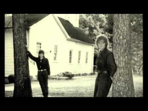 Indigo Girls - Walking Through Fire