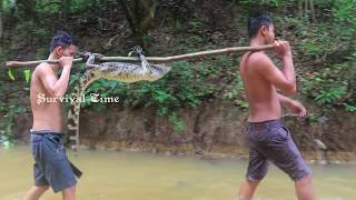 Primitive Technology: Finding Big Crocodile in the Forest | Brave Wilderness Catch Crocodile