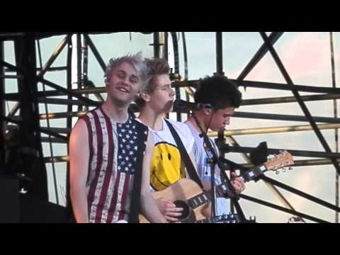 5 Seconds of Summer - Over and Over - Hershey Park Stadium - July 6, 2013