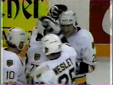 Ray Bourque scores a 160 foot goal Video