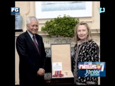 Philippines confers Legion of Honor on Clinton