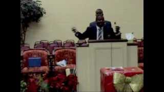 Dev Love preaching at (ETSWC) End Time Sabbath Worship Center in Orlando, FL (LOUANGES)