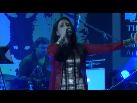 Akriti Kakar singing her song ABHI ABHI from JISM 2