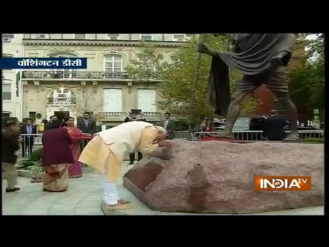 Live: Modi Pays Floral Tribute To Mahatma Gandhi In Washington DC - India TV
