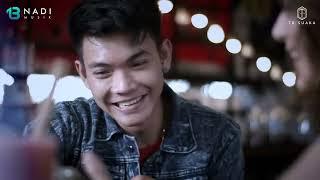 Download lagu Tri Suaka - Menua Bersamamu ( )