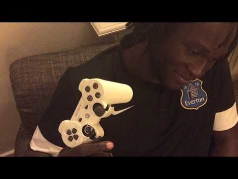 Lukaku gets new controller from EA SPORTS