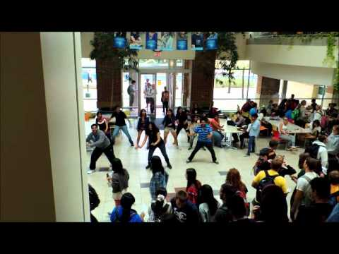 Desi Flash Mob At Penn State University By Igsa video