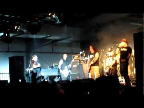 Hatebreed - Live For This with Phil Demmel from Machine Head [Live Melbourne Soundwave 02/03/2012]