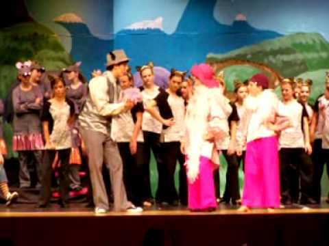 Horton Hears a Who Dress rehearsal for Neshaminy's summer stock Seussical The Musical 7/27/09.