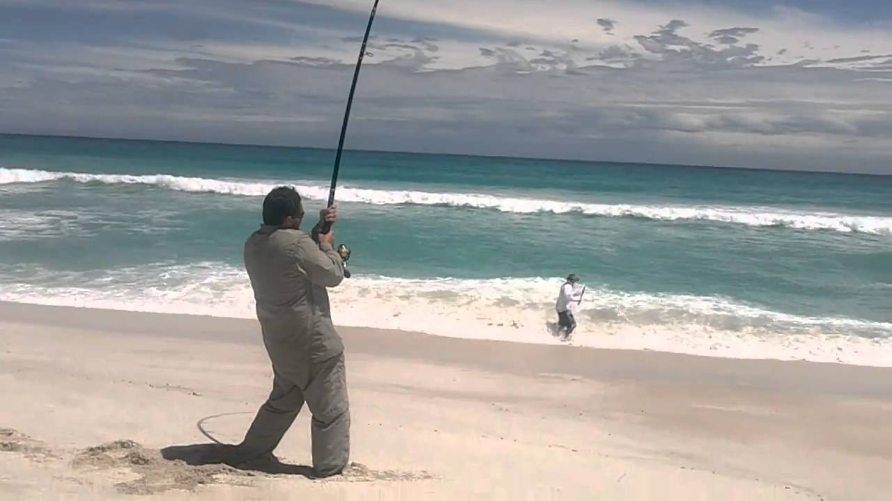 Mulloway south oz chris 39 s 61 pounder youtube for Surf fishing nj license