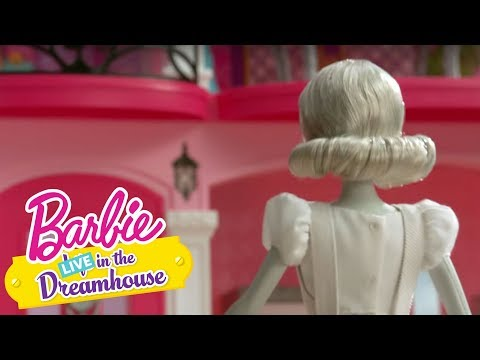 Teaser: A Smidge of Midge | Barbie LIVE! In The Dreamhouse | Barbie