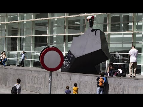 "Manu Peret's ""Double Ghetto"" Video"